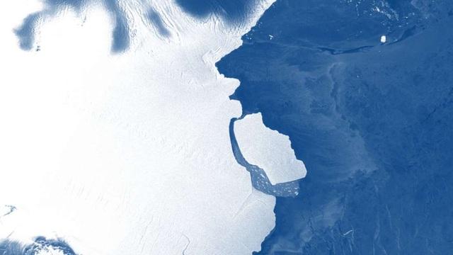 Núi băng 315 tỷ tấn vừa tách khỏi Nam Cực - 1
