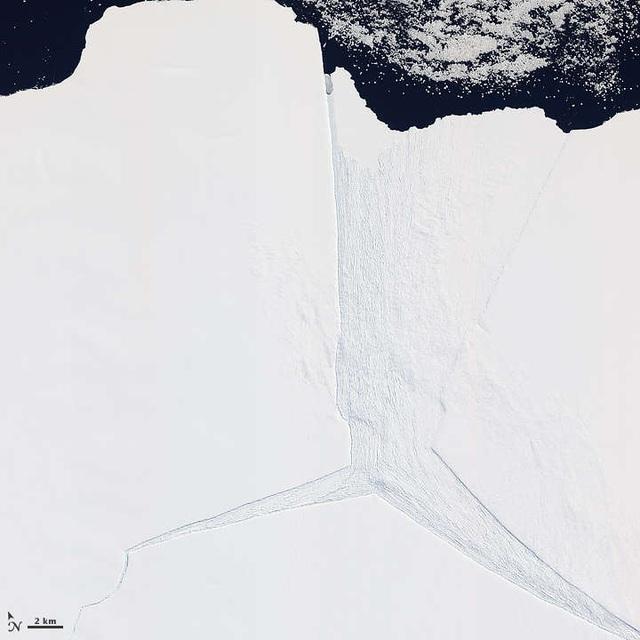 Núi băng 315 tỷ tấn vừa tách khỏi Nam Cực - 2