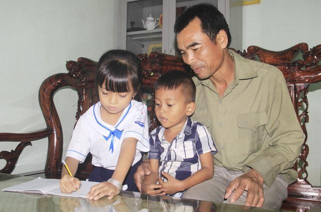 Gia đình khuyến học người Vân Kiều tiêu biểu miền sơn cước - 3