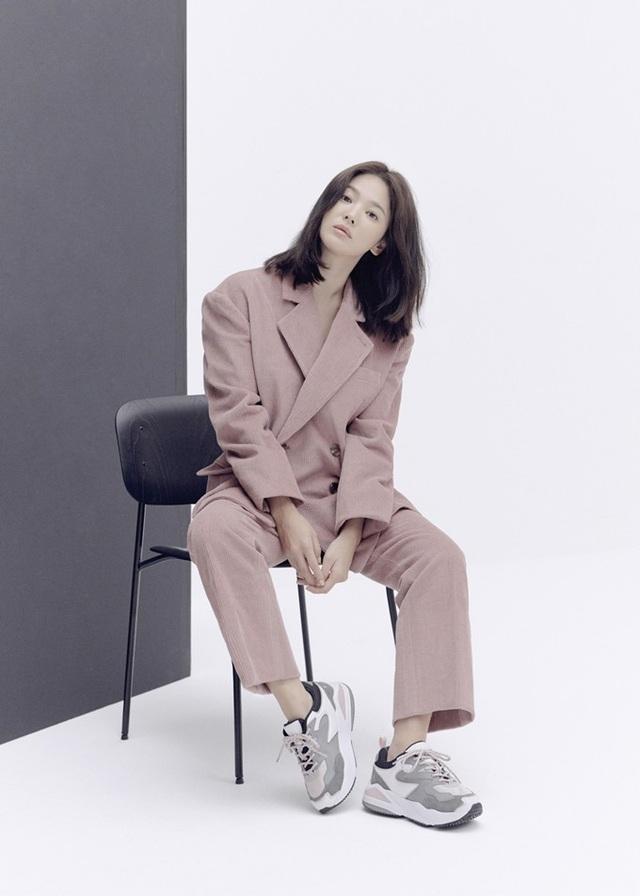 """Trang điểm """"sương sương"""", Song Hye Kyo vẫn cuốn hút đặc biệt - 2"""