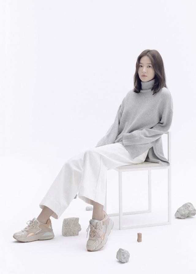 """Trang điểm """"sương sương"""", Song Hye Kyo vẫn cuốn hút đặc biệt - 3"""