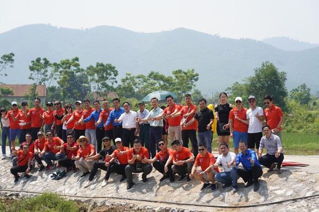 Dàn sao quyên góp xây cầu vượt lũ Quảng Bình - 3
