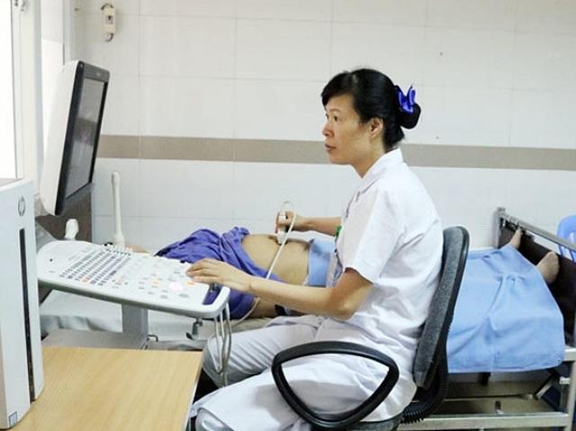 Thai phụ bàng hoàng mất con 38 tuần tuổi chỉ từ dấu hiện đau bụng, ra máu âm đạo - 2