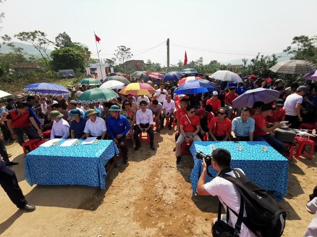 Dàn sao quyên góp xây cầu vượt lũ Quảng Bình - 5