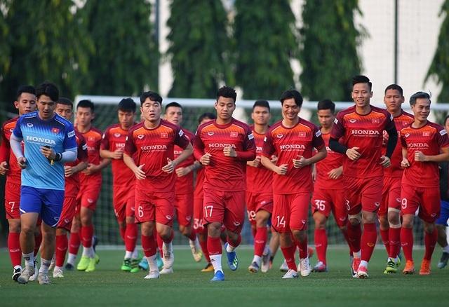 Tiền vệ Phan Văn Đức sốc trước chấn thương của Xuân Trường