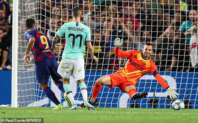 Barcelona 2-1 Inter Milan: Cú đúp của Luis Suarez - 6