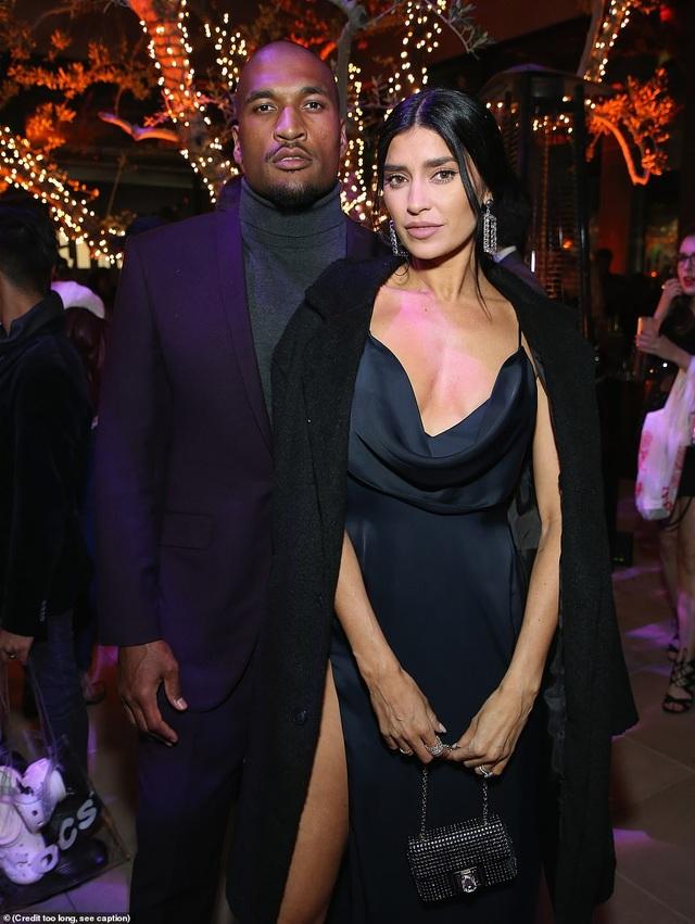 Bạn thân của gia đình Kardashian khoe dáng bốc lửa trên biển - 7