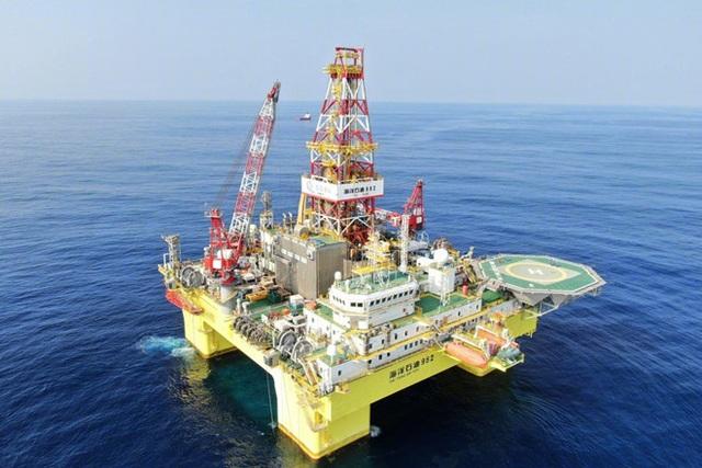 Việt Nam đang xác minh việc Trung Quốc đưa giàn khoan nước sâu tới Biển Đông - 2