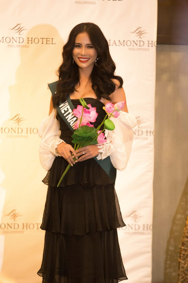 Hoàng Hạnh diện bikini khoe dáng tại Hoa hậu Trái đất 2019 - 1