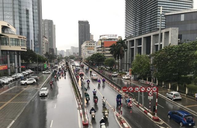Sau trận mưa lớn, chất lượng không khí Hà Nội vẫn ở mức trung bình - 1