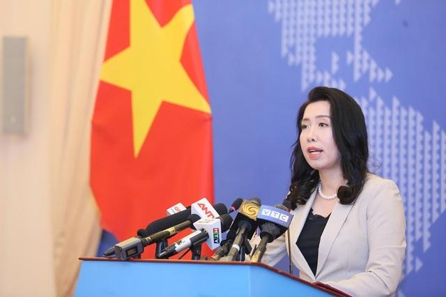 Việt Nam đang xác minh việc Trung Quốc đưa giàn khoan nước sâu tới Biển Đông - 1