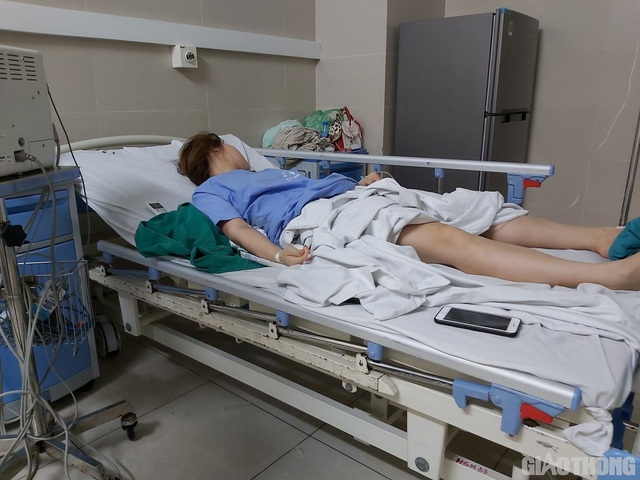 Hút mỡ bụng nâng ngực, cô gái ngất xỉu, co giật 3 lần mới được đưa cấp cứu - 1