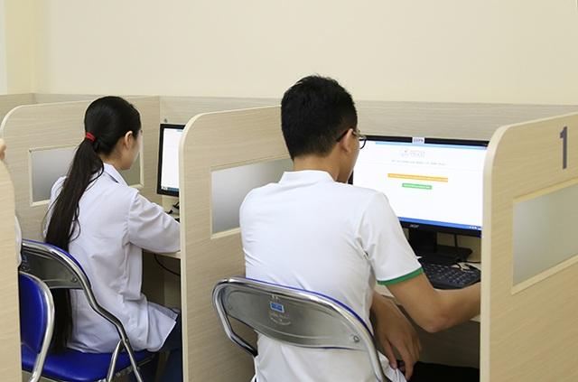 Thi THPT quốc gia trên máy tính: Phải chấp nhận không có bài luận trong đề thi trắc nghiệm! - 3
