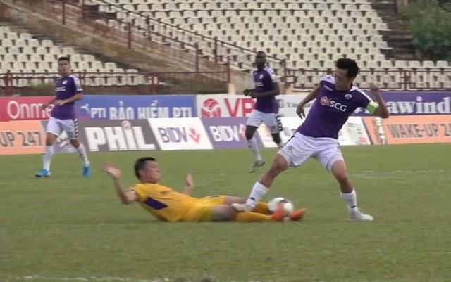 Văn Quyết bị treo giò đến hết mùa giải V-League 2019 - 1