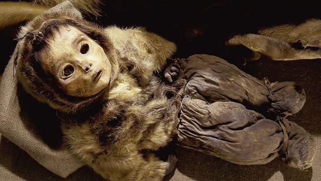 Phát hiện các xác ướp đóng băng hơn 500 năm tuổi được bảo quản cực tốt - 1