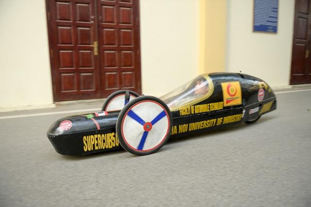Sinh viên tự chế xe siêu tiết kiệm chạy 1.095 km tốn một lít xăng - 11
