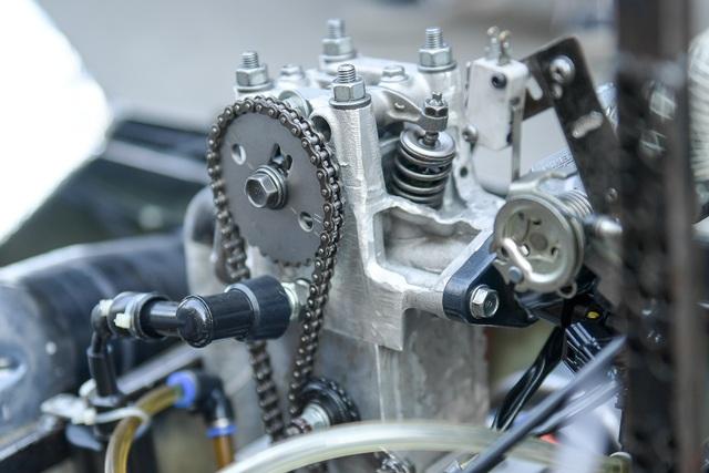 Sinh viên tự chế xe siêu tiết kiệm chạy 1.095 km tốn một lít xăng - 7