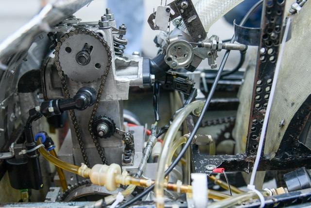 Sinh viên tự chế xe siêu tiết kiệm chạy 1.095 km tốn một lít xăng - 5