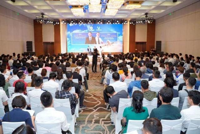 Giới trẻ Việt khắp thế giới đổ về Việt Nam học phi công - 1