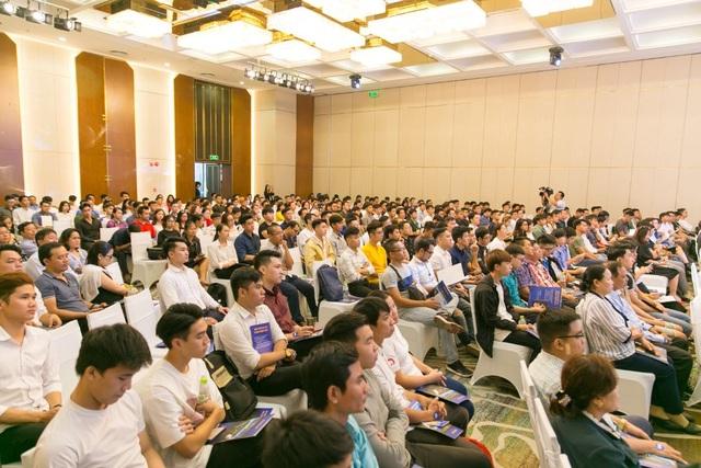 Giới trẻ Việt khắp thế giới đổ về Việt Nam học phi công - 7