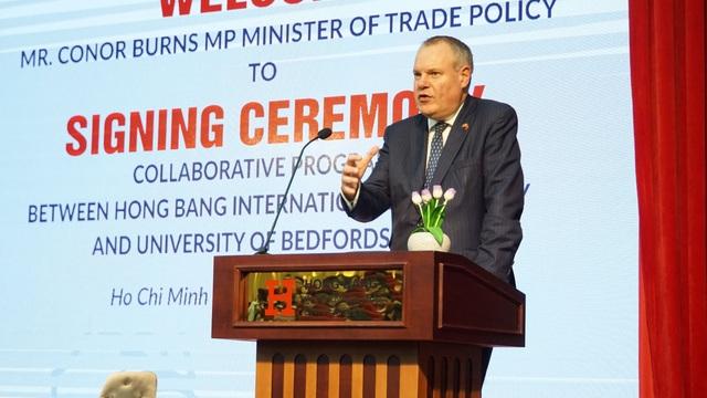 Nhiều trường ĐH Việt Nam ký kết hợp tác với giáo dục Anh quốc - 1