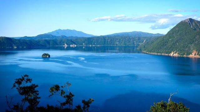 Bí ẩn về hồ nước nhìn xuống có thể gặp xui xẻo - 1