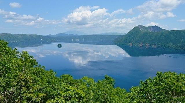 Bí ẩn về hồ nước nhìn xuống có thể gặp xui xẻo - 4