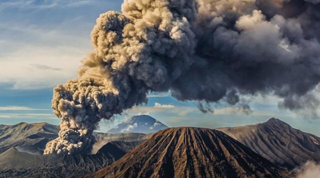 Con người tạo ra lượng CO2 gấp 100 lần so với tất cả các núi lửa của Trái đất cộng lại - 1
