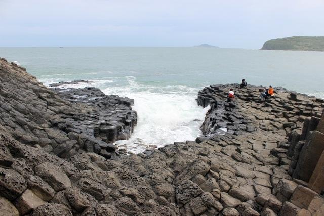 Phú Yên: Nhiều tiềm năng để hình thành công viên địa chất toàn cầu - 2