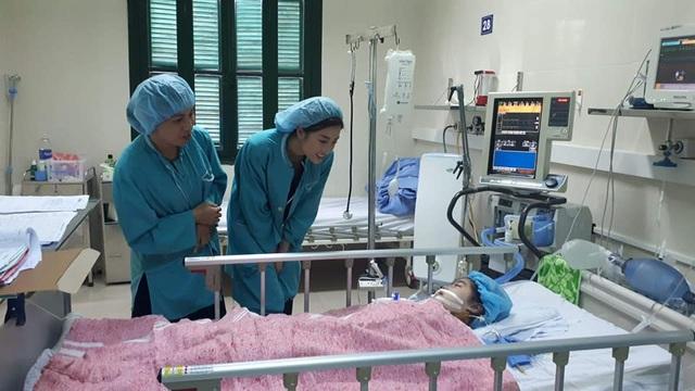 Cô bé 10 tuổi tỉnh dậy, mỉm cười với hoa hậu Đỗ Mỹ Linh sau ca ghép tim sinh tử - 1