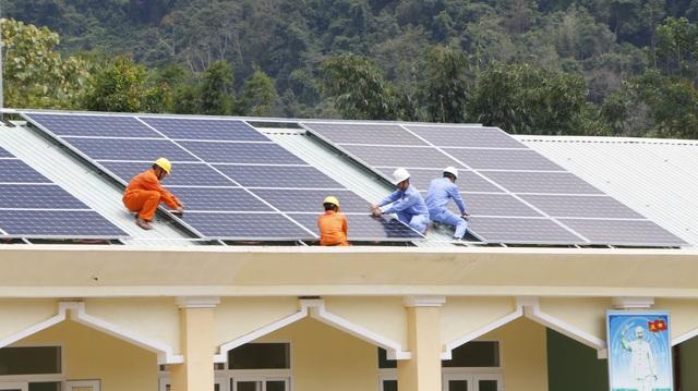 Điện mặt trời áp mái trường học