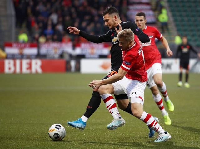 Những khoảnh khắc gây thất vọng của Man Utd trên đất Hà Lan - 6