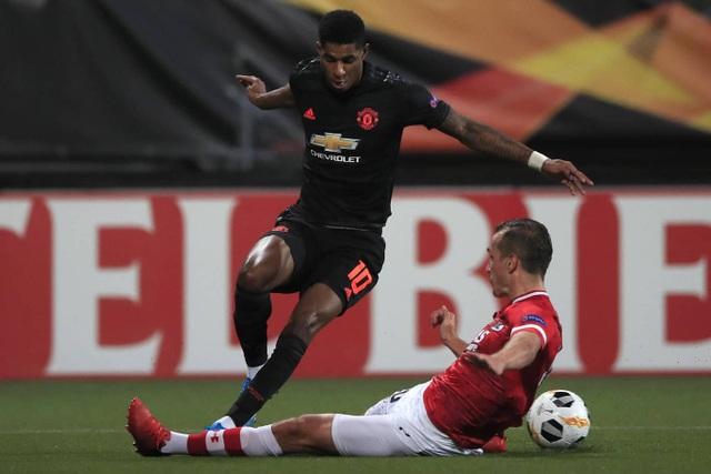 Những khoảnh khắc gây thất vọng của Man Utd trên đất Hà Lan - 14