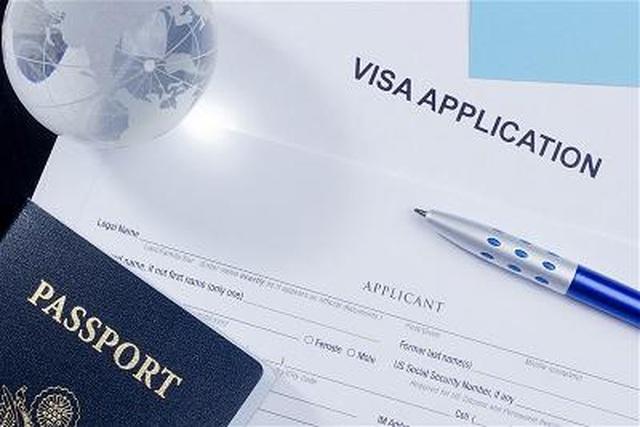 Quay số visa H1-B và cạnh tranh khốc liệt cơ hội ở lại Mỹ sau tốt nghiệp - 1