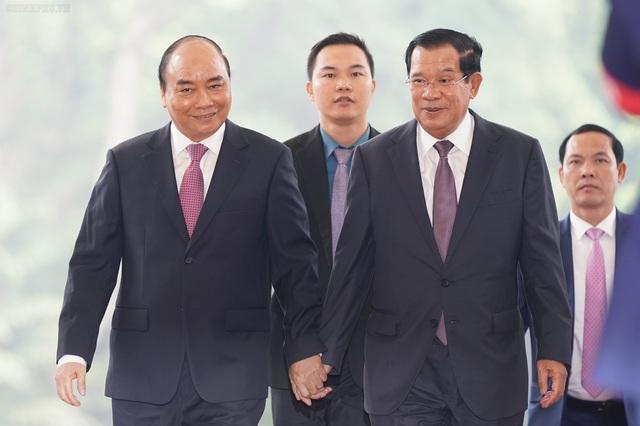 Thủ tướng Nguyễn Xuân Phúc đón, hội đàm với Thủ tướng Campuchia - 4