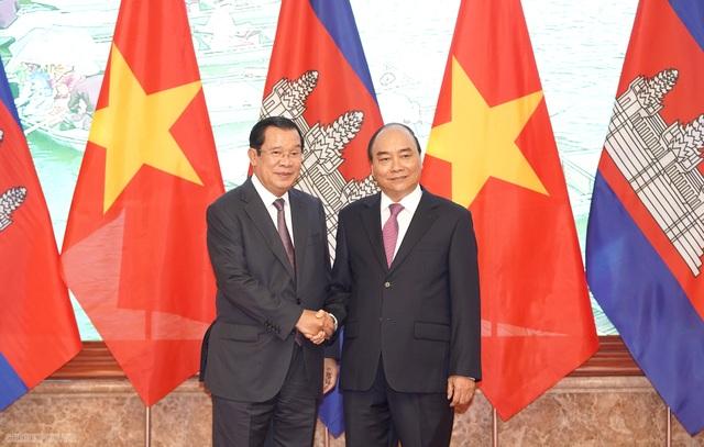 Thủ tướng Nguyễn Xuân Phúc đón, hội đàm với Thủ tướng Campuchia - 5
