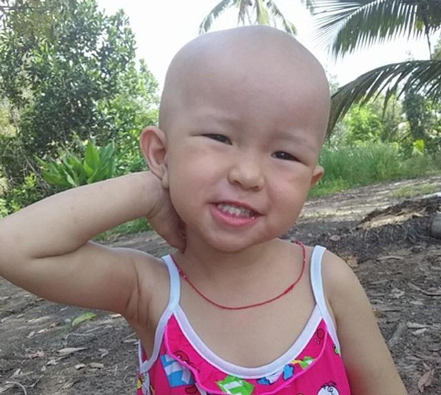 Bé gái bị U nguyên bào thần kinh được bạn đọc giúp đỡ gần 200 triệu đồng - 3