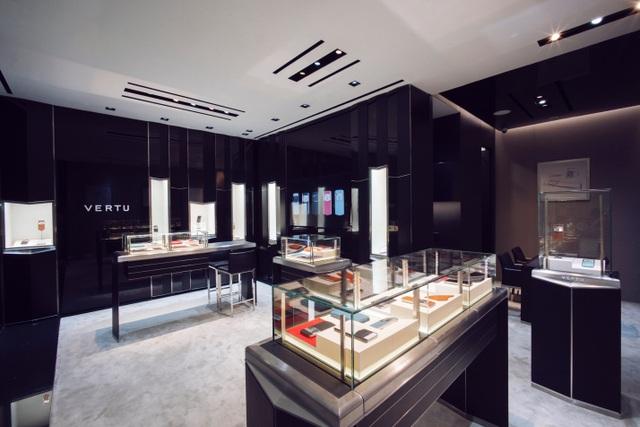 Vertu ra mắt không gian boutique mới tại TP.HCM - 2