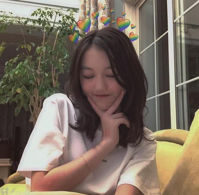 Con gái Vương Phi sống xa hoa, vui vẻ tại nước ngoài - 7