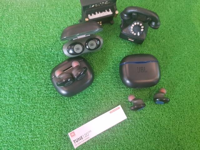 JBL giới thiệu tới thị trường Việt Nam tai nghe không dây Tune 120TWS