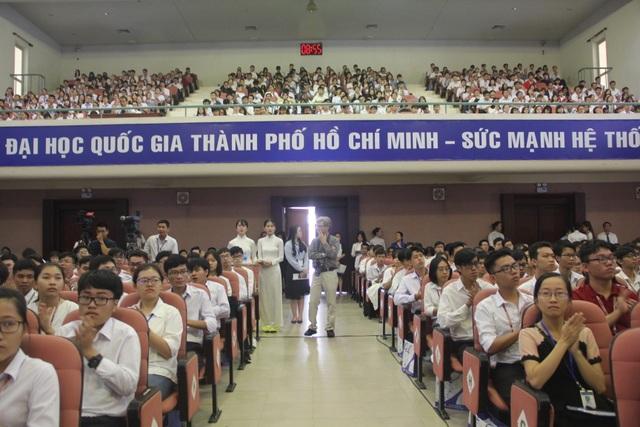 """Phó Thủ tướng giải tỏa lo lắng của sinh viên """"tự chủ cao kèm tiền học phí tăng"""" - 1"""