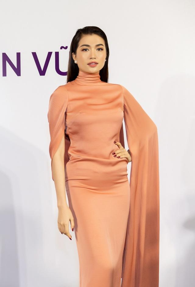 Thanh Hằng, Hoàng Thùy nổi bật hơn top 60 thí sinh Hoa hậu Hoàn vũ - 5