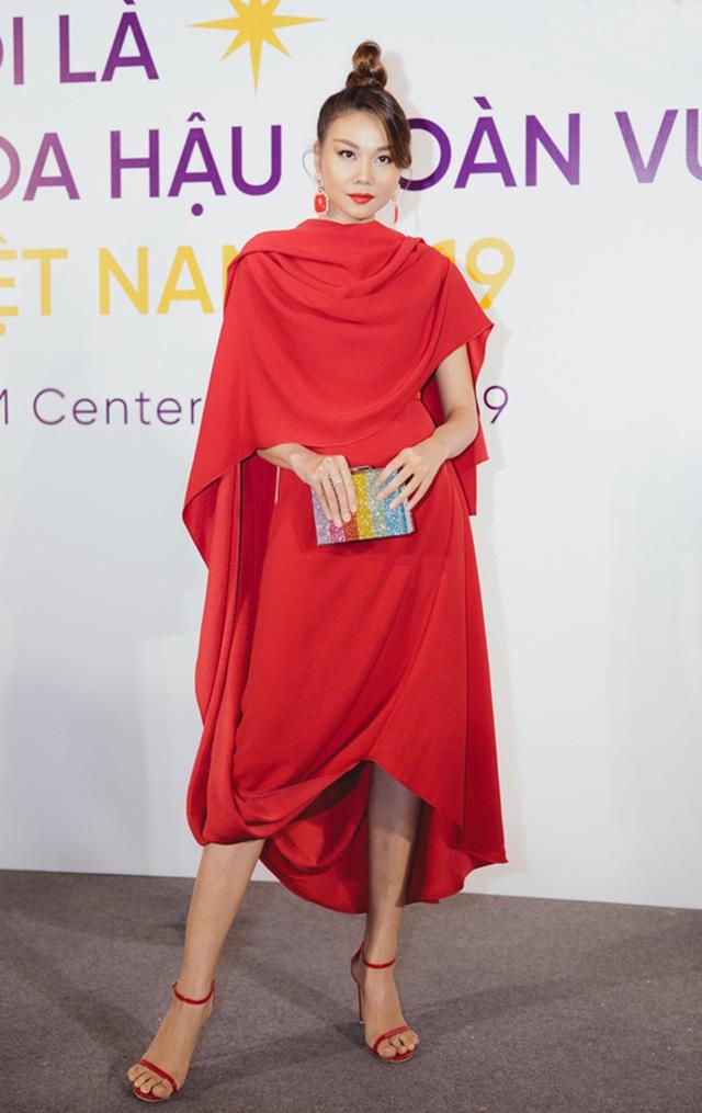 Thanh Hằng, Hoàng Thùy nổi bật hơn top 60 thí sinh Hoa hậu Hoàn vũ - 1