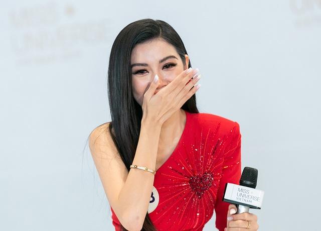 """Thúy Vân bị giám khảo Hương Giang """"chỉnh"""" vì đi thi nhưng xuất hiện như người nổi tiếng - 9"""