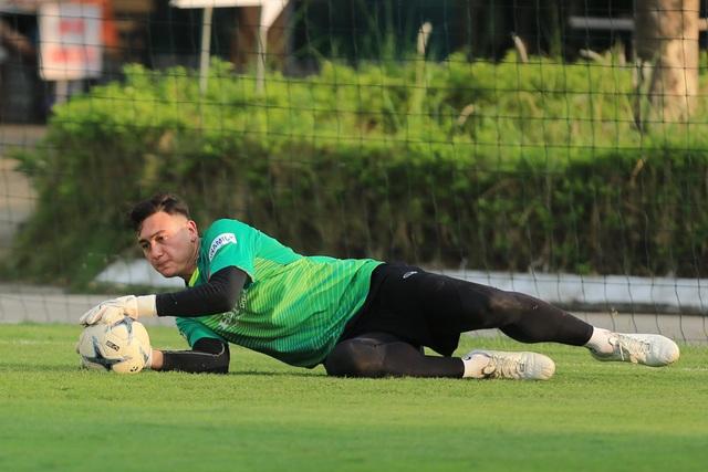 """Văn Lâm: """"Hàng công của Malaysia mạnh hơn so với AFF Cup 2018"""" - 1"""