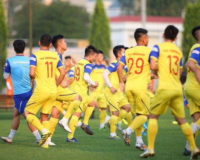 Quang Hải hăng say tập luyện, HLV Park Hang Seo hài lòng - 3