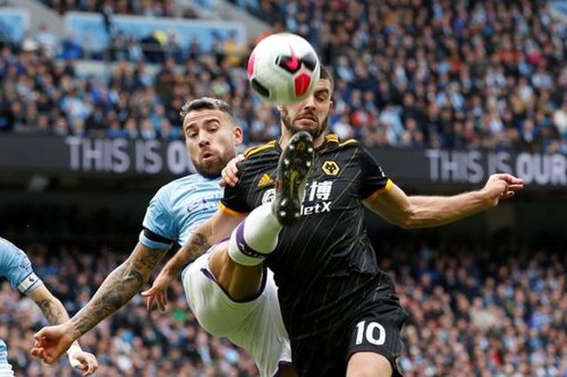 Man City 0-2 Wolves: Cú đúp của Traore - 11