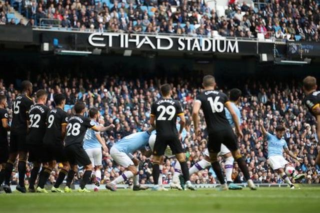 Man City 0-2 Wolves: Cú đúp của Traore - 13