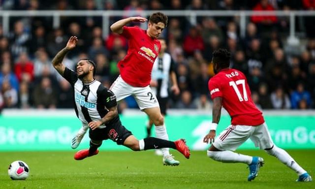 Newcastle 1-0 Man Utd: Quỷ đỏ nối dài sự thất vọng - 11