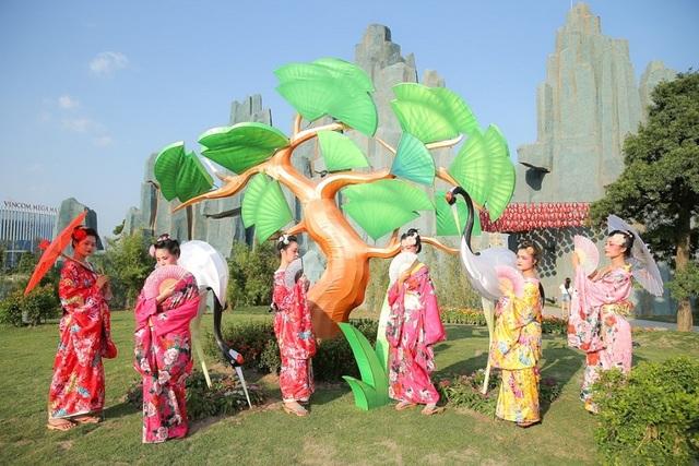 """""""Chạy ngay đi"""" đến gặp Sơn Tùng MTP tại vườn Nhật Vinhomes Smart City - 6"""